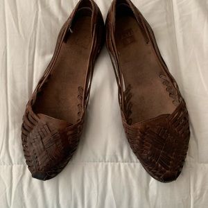 Women's Frye's chocolate brown leather flats